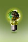 Preservar la naturaleza con la ayuda del ahorro de la energía imagenes de archivo