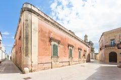 Presicce, Apulien - 29. MAI 2017 - ein altes verlassenes industrielles BU lizenzfreies stockbild