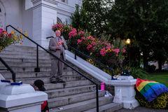 President Ed Ray of Oregon State University addresses Corvallis vigil for Orlando victims Royalty Free Stock Images