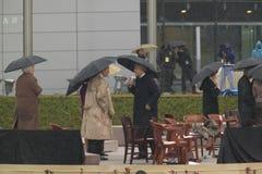 President för tidigare USA Bill Clinton, tidigare president George HW Bush, Barbara Bush och andra på etapp under ceremen för sto Fotografering för Bildbyråer