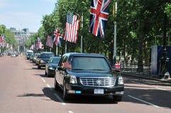 President Obama komt bij Buckingham Palace aan Stock Fotografie