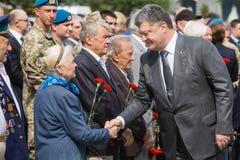 President Poroshenko eerde geheugen van slachtoffers van oorlog in de Oekraïne royalty-vrije stock fotografie