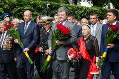 President Poroshenko eerde geheugen van slachtoffers van oorlog in de Oekraïne royalty-vrije stock foto's