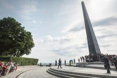 President Poroshenko eerde geheugen van slachtoffers van oorlog in de Oekraïne royalty-vrije stock afbeeldingen