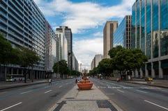 Presidente Vargas aveny i Rio de Janeiro royaltyfri fotografi