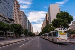 Presidente Vargas aveny i Rio de Janeiro royaltyfri bild