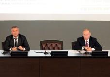Presidenten från den ryska federationen Vladimir Putin och ordförande av den statliga Dumaen av den federala enheten av den ryska Royaltyfria Foton