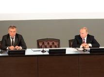 Presidenten från den ryska federationen Vladimir Putin och ordförande av den statliga Dumaen av den federala enheten av den ryska Fotografering för Bildbyråer