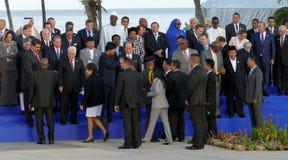 Presidenter av delegationer poserar för det officiella fotografiet i den 17th toppmötet av den alliansfria rörelsen Arkivfoto