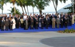 Presidenter av delegationer poserar för det officiella fotografiet i den 17th toppmötet av den alliansfria rörelsen Royaltyfri Bild