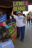Presidentiële Campagneverzameling de Kandidaat van Bernie Sanders Holds Los Angeles stock foto's