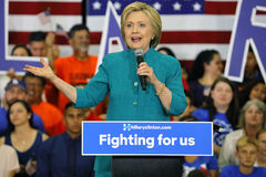 Presidentiële Kandidaat Hillary Clinton Campaigns in Oxnard, CA a Royalty-vrije Stock Foto
