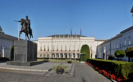 Presidential Palace in Warsaw. Scenic view of Presidential Palace with inner courtyard and statue in foreground; Warsaw, Poland Stock Photography