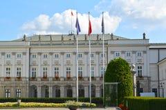 Presidentpalatset på gatan den Krakow förorten, 46/48 Warsaw Polen Arkivbilder