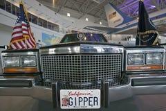 Presidents- bilkortege på skärm på Ronald Reagan Presidential Library och museet, Simi Valley, CA Arkivbild