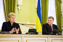 Presidents Petro Poroshenko and Dalia Grybauskaite Stock Photography