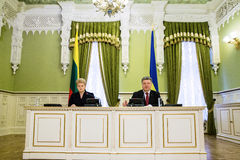 Presidents Petro Poroshenko and Dalia Grybauskaite Royalty Free Stock Photography