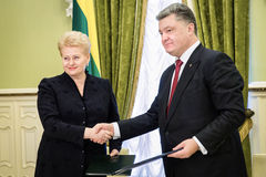 Presidents Petro Poroshenko and Dalia Grybauskaite Royalty Free Stock Images