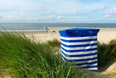 Presidenza di spiaggia al mare Fotografia Stock