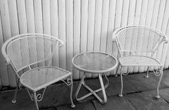 Presidenze e tabella del patio Fotografie Stock