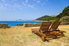 Presidenze sulla spiaggia a Dubrovnik, Croatia fotografia stock libera da diritti