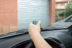 Presionar control del coche Imagen de archivo libre de regalías
