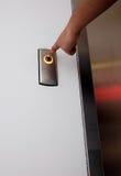 Presione el botón del elevador Imagen de archivo libre de regalías