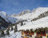 Presolana ist ein Gebirgszug des Orobie, italienische Alpen Landschaft im Winter nach Schneefälle Stockbild