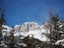 Presolana ist ein Gebirgszug des Orobie, italienische Alpen Landschaft im Winter nach Schneefälle Stockfotos