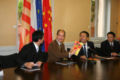 Press conference for the signature of a twinning p Stock Photo