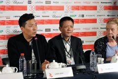 Film crew of the movie Crested Ibis, China Stock Photo