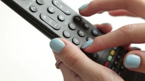 Press knapparna p? TVfj?rrkontrollen arkivfilmer