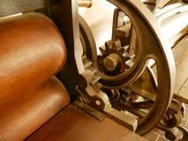 Presse antique de machines à laver photographie stock libre de droits