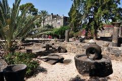 Presse olive antique chez Capernaum image stock