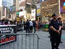 Pressekonferenz im Times Square, sprechend mit den Nachrichtenmedien, NYC, USA Lizenzfreie Stockbilder