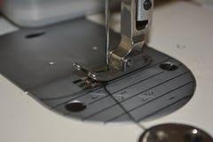 Presservoet voor industriële naaimachine royalty-vrije stock afbeeldingen