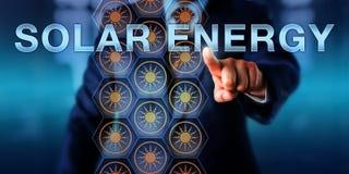 Pressing för industriell chef SOL- ENERGI Arkivfoton