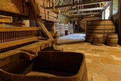 Pressione em uma adega de Borgonha fotografia de stock royalty free