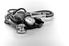 Pressione sanguigna dello stetoscopio dello strumento medico Fotografia Stock Libera da Diritti