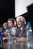 Presskonferens som meddelar krimskrams i medicin Arkivfoton
