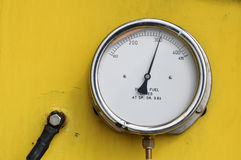 Pressure gauge for measuring pressure in the system, Oil and gas process used pressure gauge to monitor pressure condition Stock Image