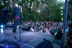 Prestaties van de popgroep ` Chumatsky Shlyakh ` 10 Juni, 2017 in Tcherkassy, de Oekra?ne stock fotografie