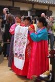Prestaties van het Traditionele Koreaanse Huwelijk Royalty-vrije Stock Foto's
