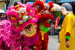 Prestazione della via per il festival di fantasma affamato cinese (tor) di Por a Immagine Stock