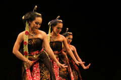 Prestazione di ballo di Gambyong Fotografia Stock Libera da Diritti