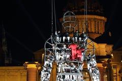 Prestazione di Baus dei dels di Fura con l'uomo di millennio per il nuovo anno Immagini Stock