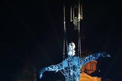 Prestazione di Baus dei dels di Fura con l'uomo di millennio per il nuovo anno Fotografia Stock