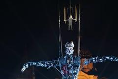 Prestazione di Baus dei dels di Fura con l'uomo di millennio per il nuovo anno Fotografia Stock Libera da Diritti