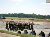 Prestazione teatrale dei soldati al festival fotografia stock