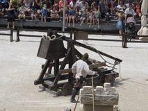 Prestazione teatrale di battaglia medievale in Les Baux-de-Provenza, Francia Immagine Stock